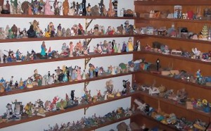 Sandplay_Shelves_Corner